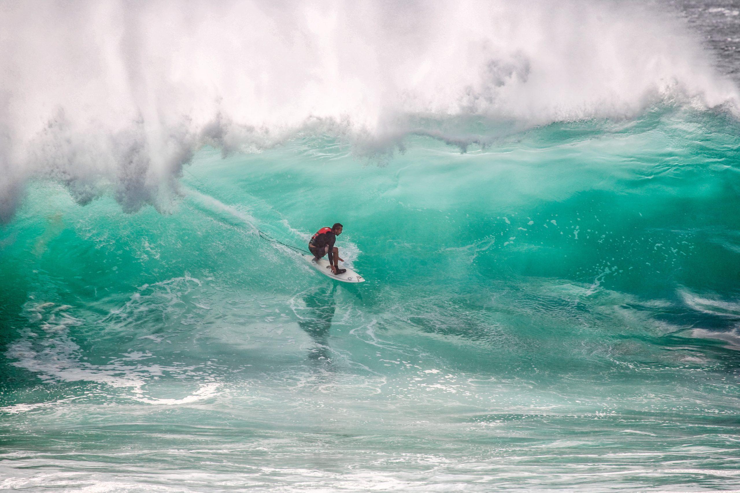 Goofyfooter Surfer
